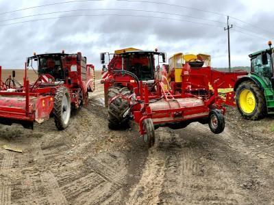 kombajny i traktor